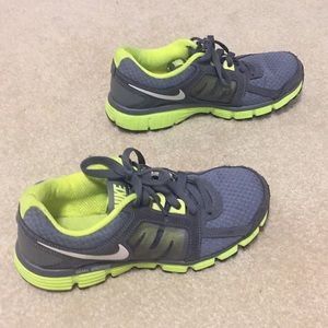 Nike Dual Fusion ST2 Sneakers Grey and Lime Green